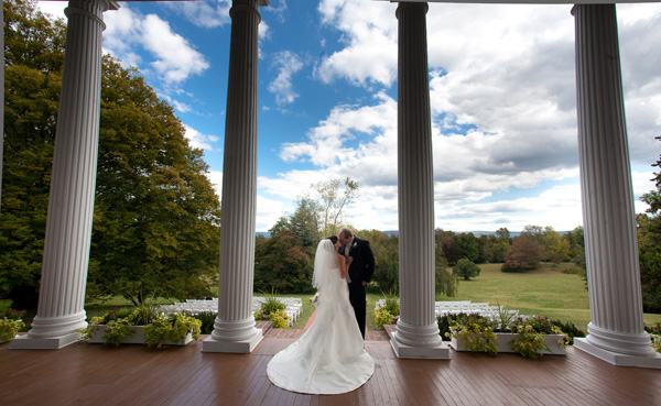 Visit Rosemont Manor for your scenic outdoor wedding venue