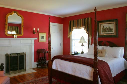 The Kennedy Suite at the Historic Rosemont Inn of Virginia